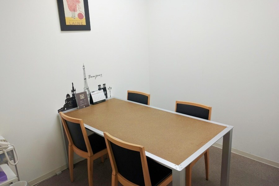 オフィスアテンド大阪 : 打合室1の会場写真