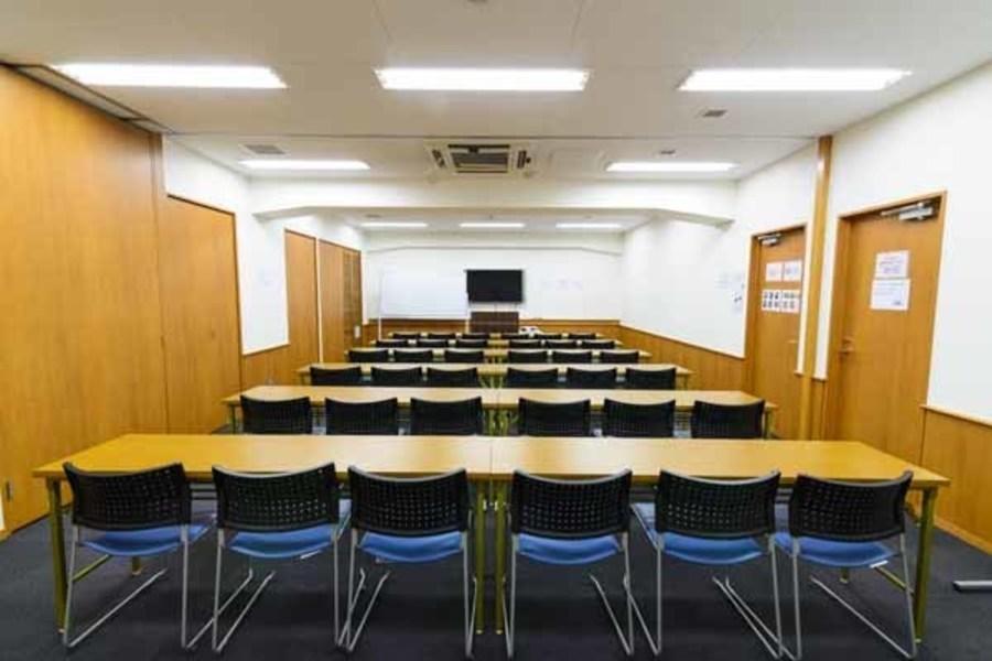ハロー貸会議室 東京駅八重洲北口 : 会議室Eの会場写真