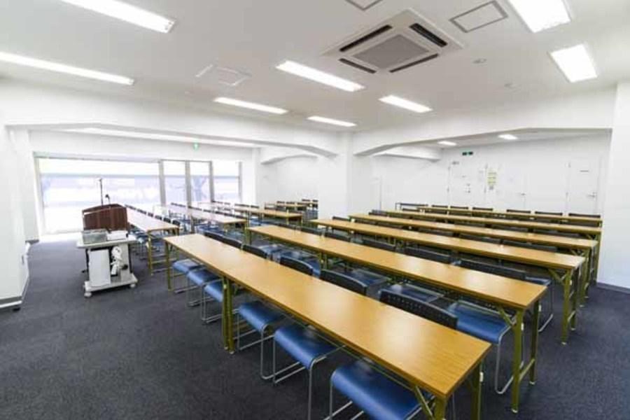 ハロー貸会議室 東京駅八重洲北口 : 1階会議室の会場写真