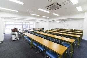 【八重洲エリア】アクセス良好な貸し会議室 72名様収容可能 1階会議室の写真