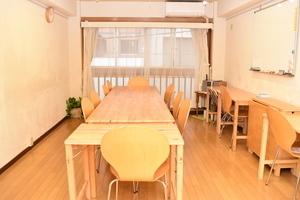 東銀座駅から徒歩1分!1時間800円から使える全面窓のスペースで教室に最適。の写真