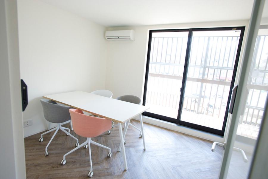 【南青山】FARO 貸し会議室 : 個室会議室の会場写真