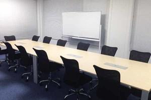 アクセス抜群!品川駅徒歩3分 12名収容可能の貸し会議室 会議室Dの写真