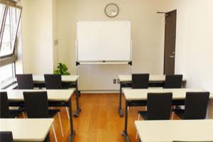 【川崎】白と黒を基調とした貸会議室の写真