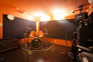 京都・長岡京市唯一の音楽スタジオ、ロックに最適な設備の写真