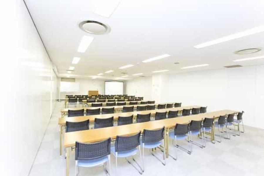 ハロー貸会議室西新宿駅前 : 会議室Bの会場写真