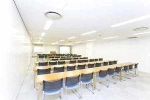 西新宿エリアで66名収容可能!セミナー等におすすめの貸し会議室の写真