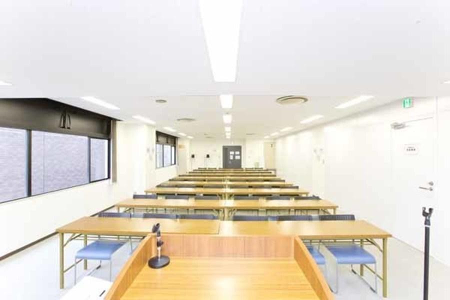 ハロー貸会議室西新宿駅前 : 会議室Cの会場写真