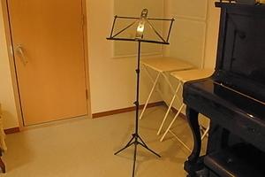 (PM9時以降で利用ができる音楽練習室)駅前なので告知も便利!真下が地下駐車場で駐車場通用口目の前でお車利用も大変便利です。の写真