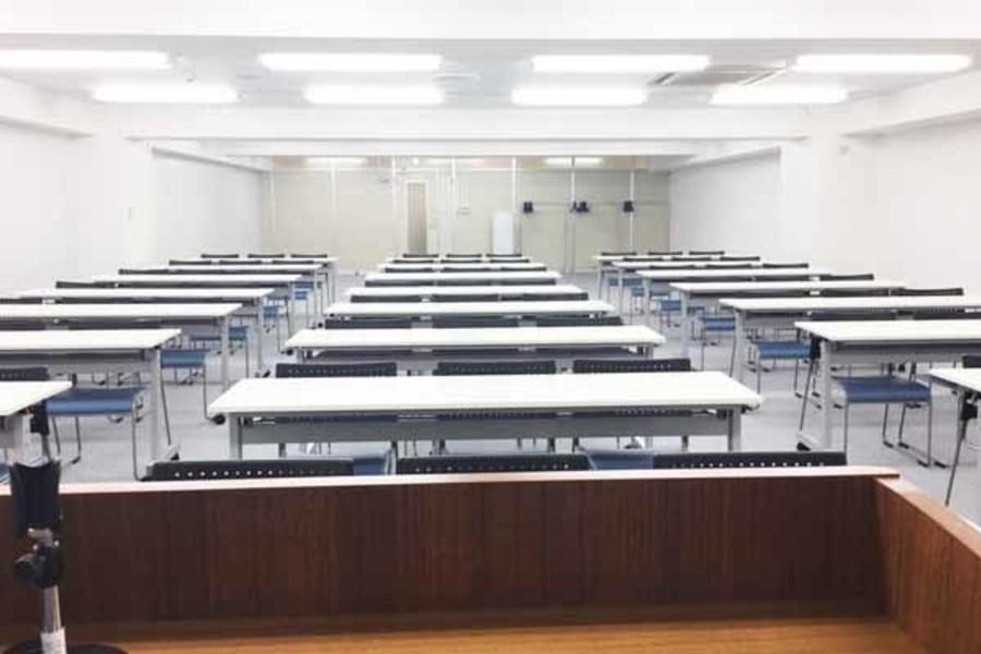 ハロー貸会議室千葉駅前 : 会議室C(控室付き)の会場写真
