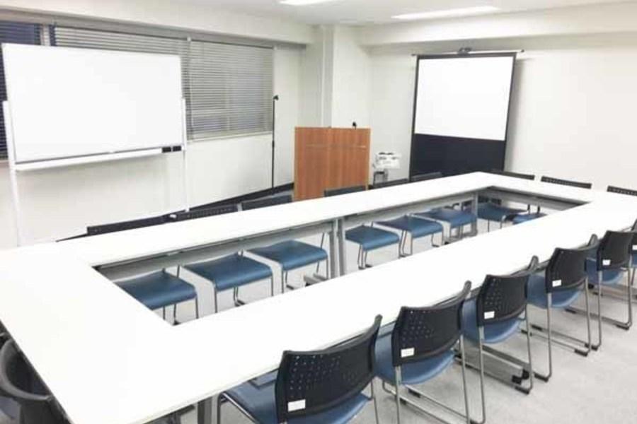 ハロー貸会議室千葉駅前 : 会議室Dの会場写真