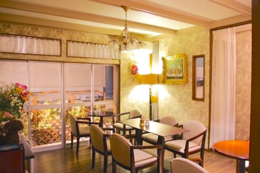 神楽坂レンタルスペース「香音里」 : レンタルカフェ(1階貸切)の会場写真