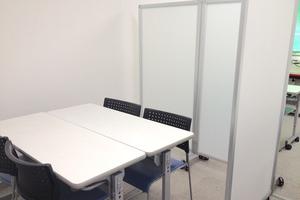 【500円/時間】激安のミーティングスペースの写真
