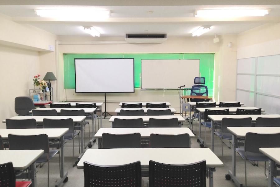 金山貸し会議室「デンファレ」 : セミナールーム(30名・営利可)の会場写真