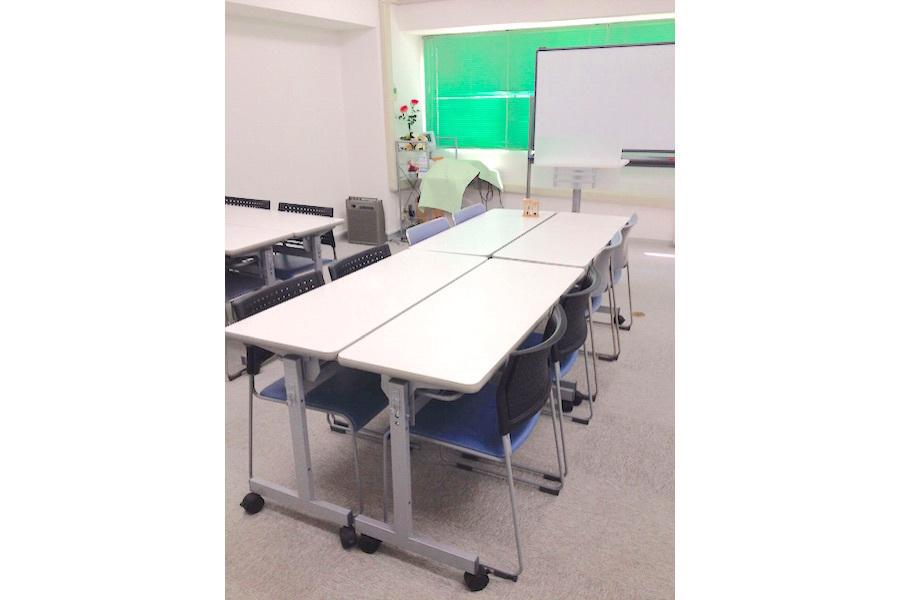 金山貸し会議室「デンファレ」 : 打ち合わせスペースB(8名・非営利)の会場写真