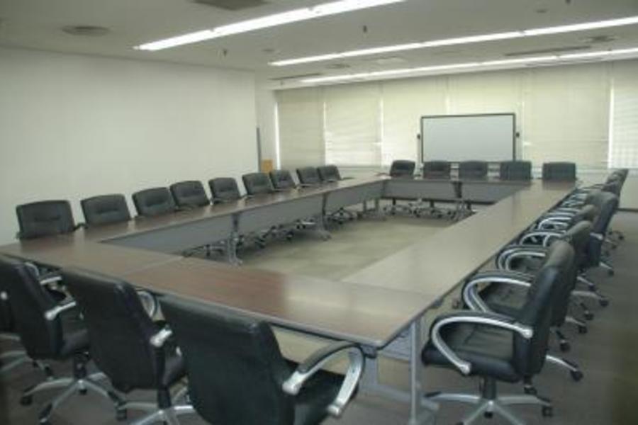センタープラザ西館貸会議室 : 3号会議室の会場写真
