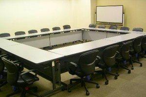 センタープラザ西館貸会議室 : 5号会議室の会場写真