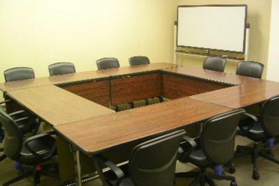 センタープラザ西館貸会議室 : 6号会議室の会場写真