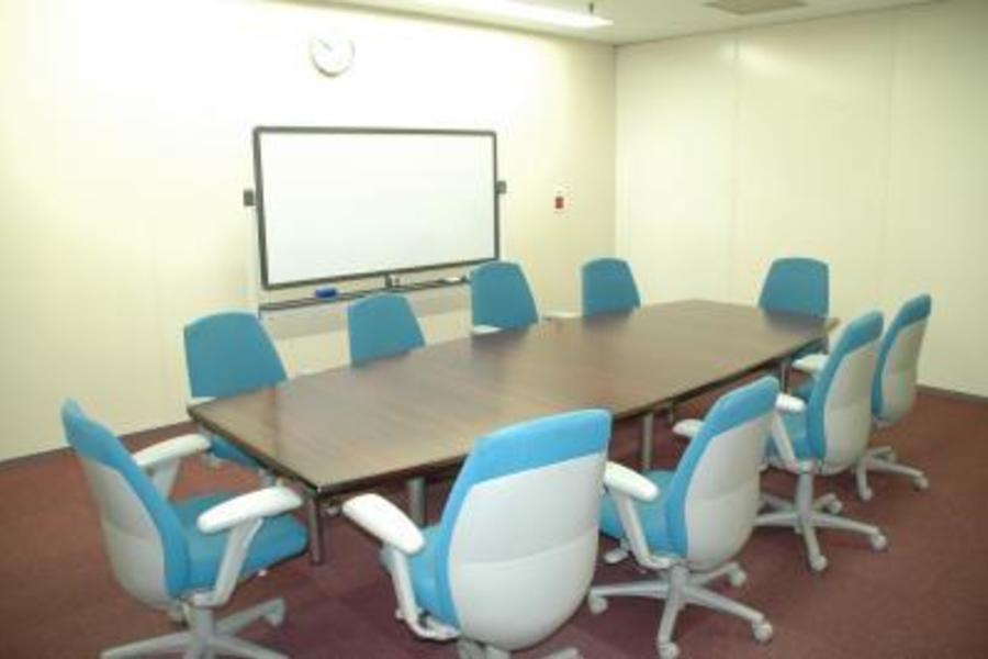 センタープラザ西館貸会議室 : 7号会議室の会場写真