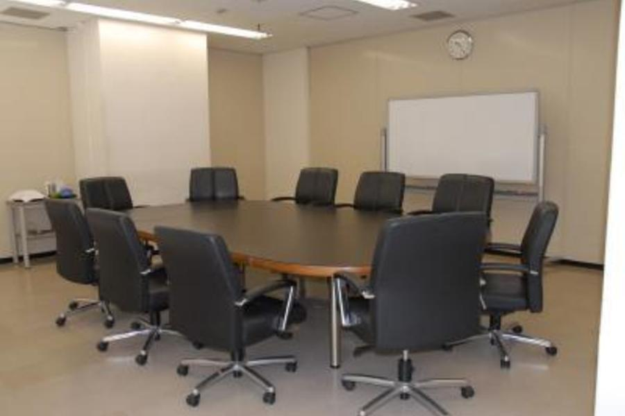 センタープラザ西館貸会議室 : 12号会議室の会場写真