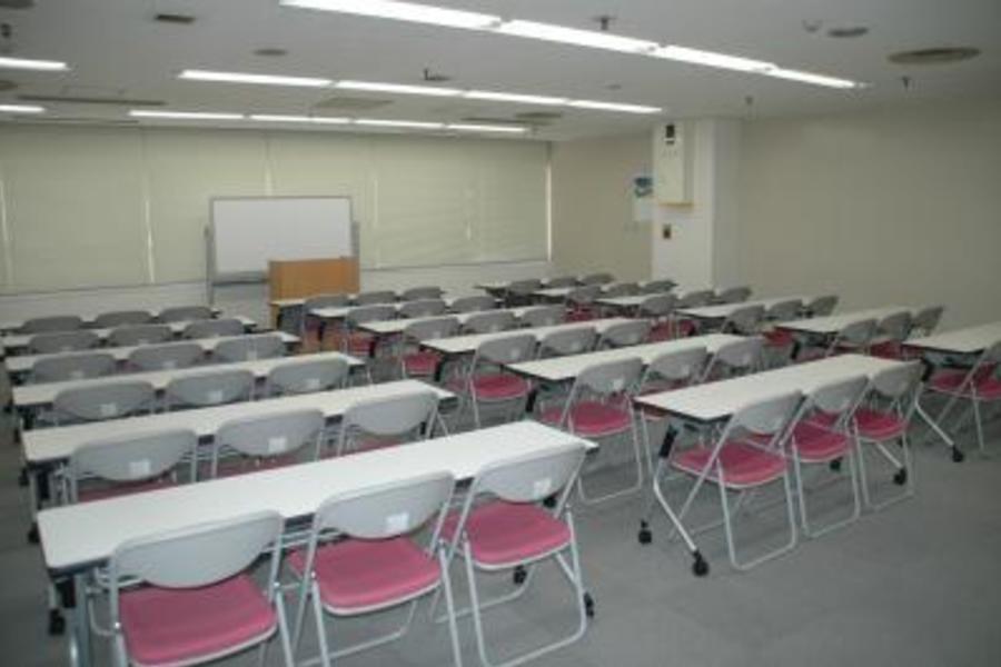 センタープラザ西館貸会議室 : 17号会議室の会場写真