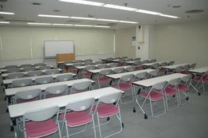 【神戸】三宮駅より徒歩5分!アクセス良好、ビジネスに便利な貸し会議室 〜54名様収容可能の写真