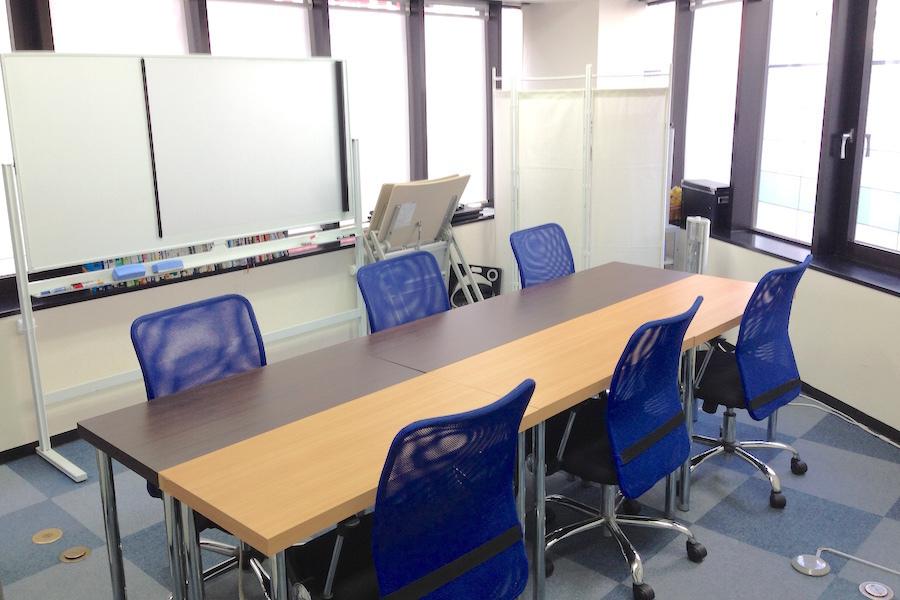 インスタント会議室 神田店 : 個室会議室(〜8名)の会場写真