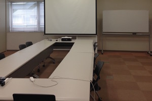 多摩永山情報教育センター/スマイルホテル東京多摩永山 : 教室A−1の会場写真