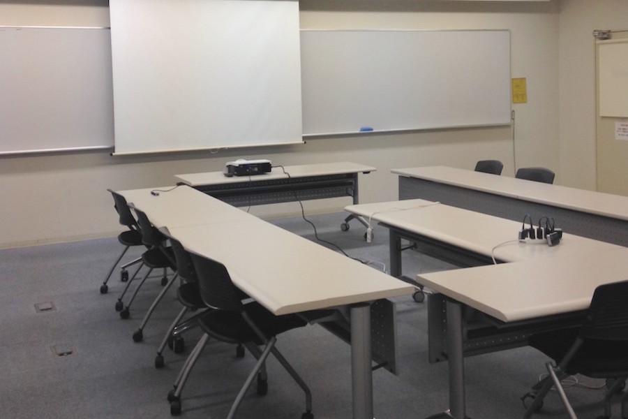 多摩永山情報教育センター/スマイルホテル東京多摩永山 : 教室B−1の会場写真