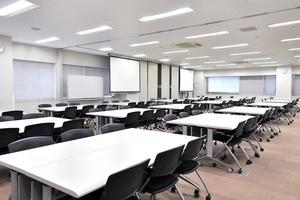多摩永山情報教育センター/スマイルホテル東京多摩永山 : 教室E−1の会場写真