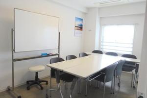 【湘南台チャンプハウス】ビジネス用途にオススメ!綺麗で明るいミーティングスペースの写真