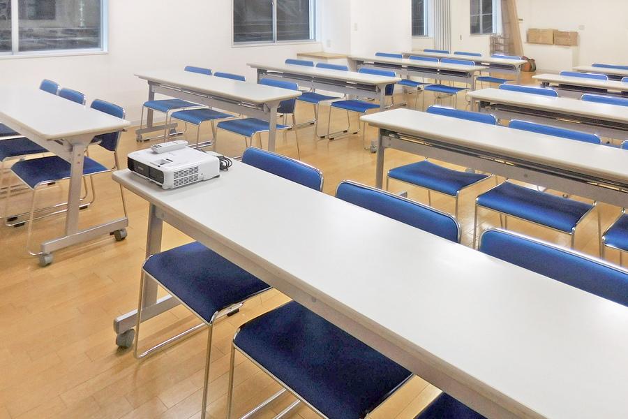 新宿三丁目ホール : レンタルスペース・会議室の会場写真