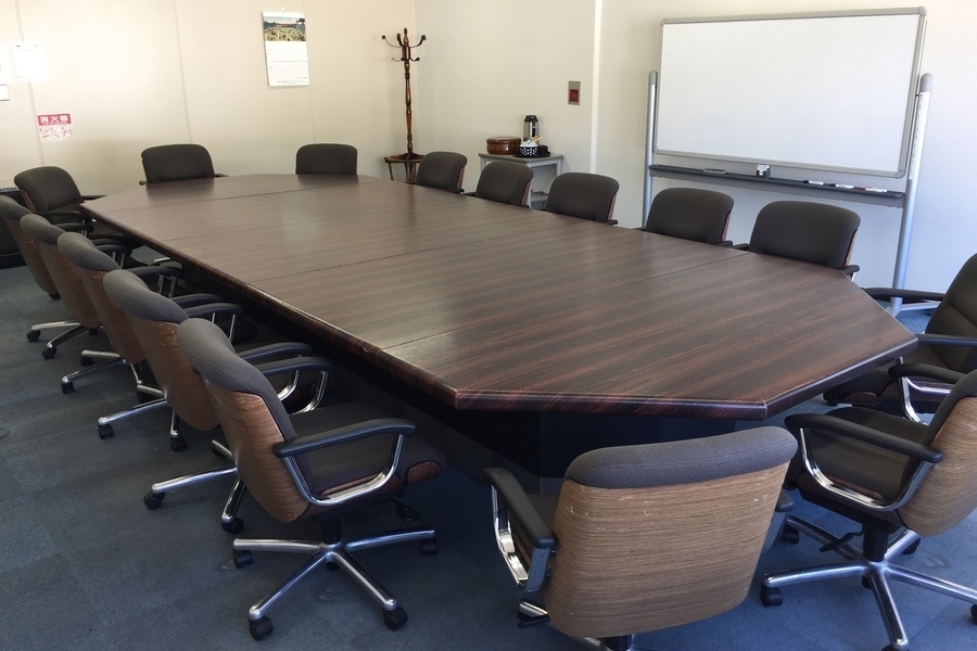 センタープラザ西館貸会議室 : 1号会議室の会場写真