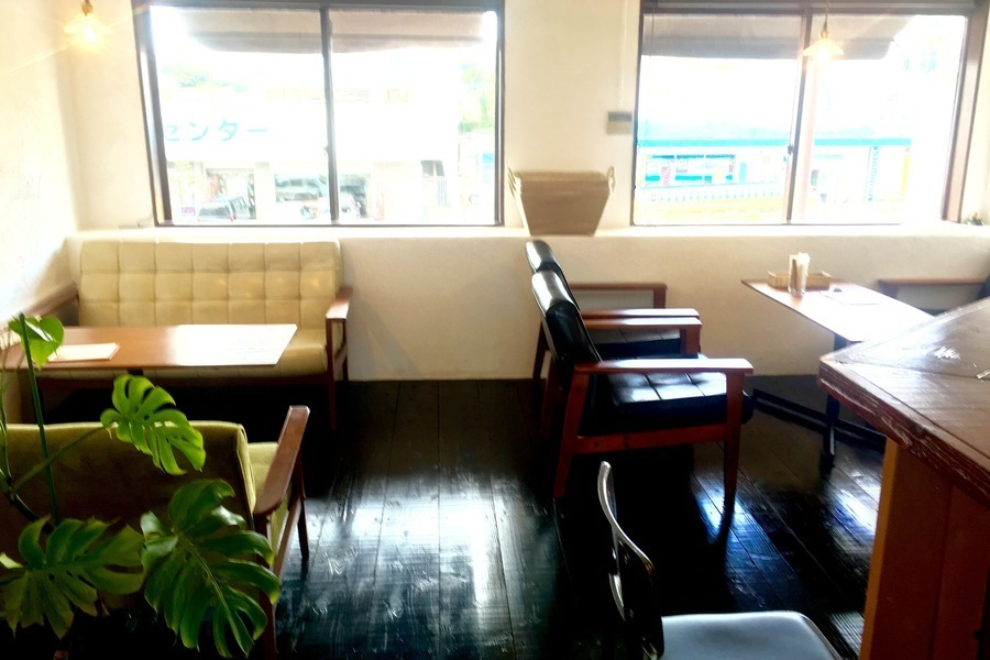café   : カフェスペースの会場写真