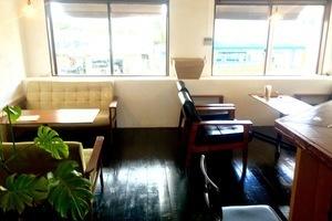 お洒落なcafeで眺めの良い空間です。の写真