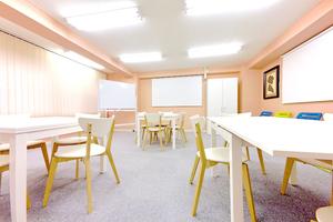 【本郷三丁目駅1分!】女性に人気の個室スペース♪お教室&ワークショップにオススメ!の写真
