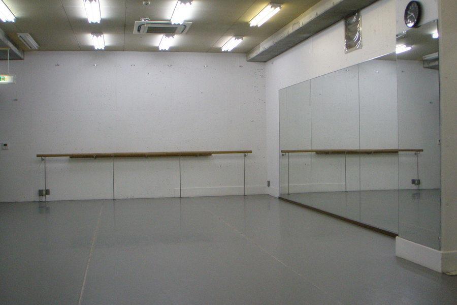 レンタルスペースTOKYO代官山(ロシアバレエアカデミーTOKYO) : レンタルスタジオの会場写真