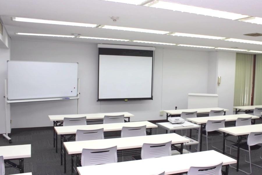 レンタルヨコハマ会議室 : 大会議室の会場写真