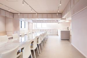 【池袋】設備が大充実のレンタルキッチンスタジオを貸切♪【最大60名収容可能】の写真