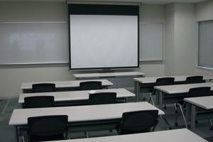 多摩永山情報教育センター/スマイルホテル東京多摩永山 : 教室A−4の会場写真
