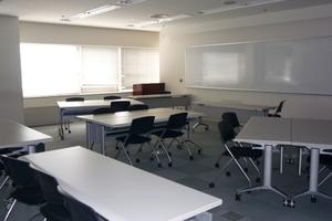 多摩永山情報教育センター/スマイルホテル東京多摩永山 : 教室B−2の会場写真
