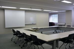 多摩永山情報教育センター/スマイルホテル東京多摩永山 : 教室B−3の会場写真