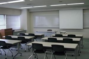 多摩永山情報教育センター/スマイルホテル東京多摩永山 : 教室C−2の会場写真