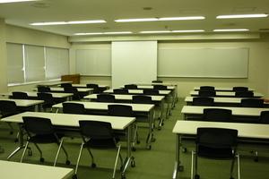多摩永山情報教育センター/スマイルホテル東京多摩永山 : 教室C−3の会場写真