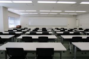 多摩永山情報教育センター/スマイルホテル東京多摩永山 : 教室D−2の会場写真