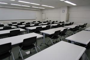 多摩永山情報教育センター/スマイルホテル東京多摩永山 : 教室D−3の会場写真