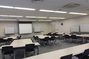 多摩永山情報教育センター/スマイルホテル東京多摩永山 : 教室D−4の会場写真