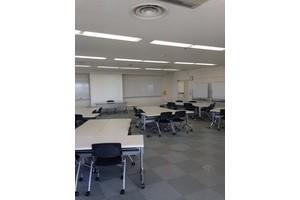 多摩永山情報教育センター/スマイルホテル東京多摩永山 : 教室D−5の会場写真