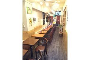 café&bar THE AKA : キッチン付きスペースの会場写真