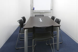 貸会議室ROOMs(ルームス)錦糸町店 : 第5会議室の会場写真